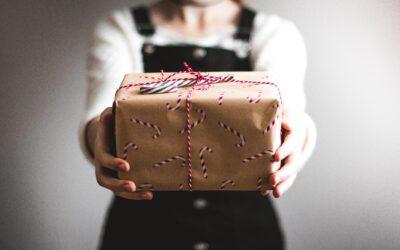 5 Cheap Male & Female Teacher Gifts