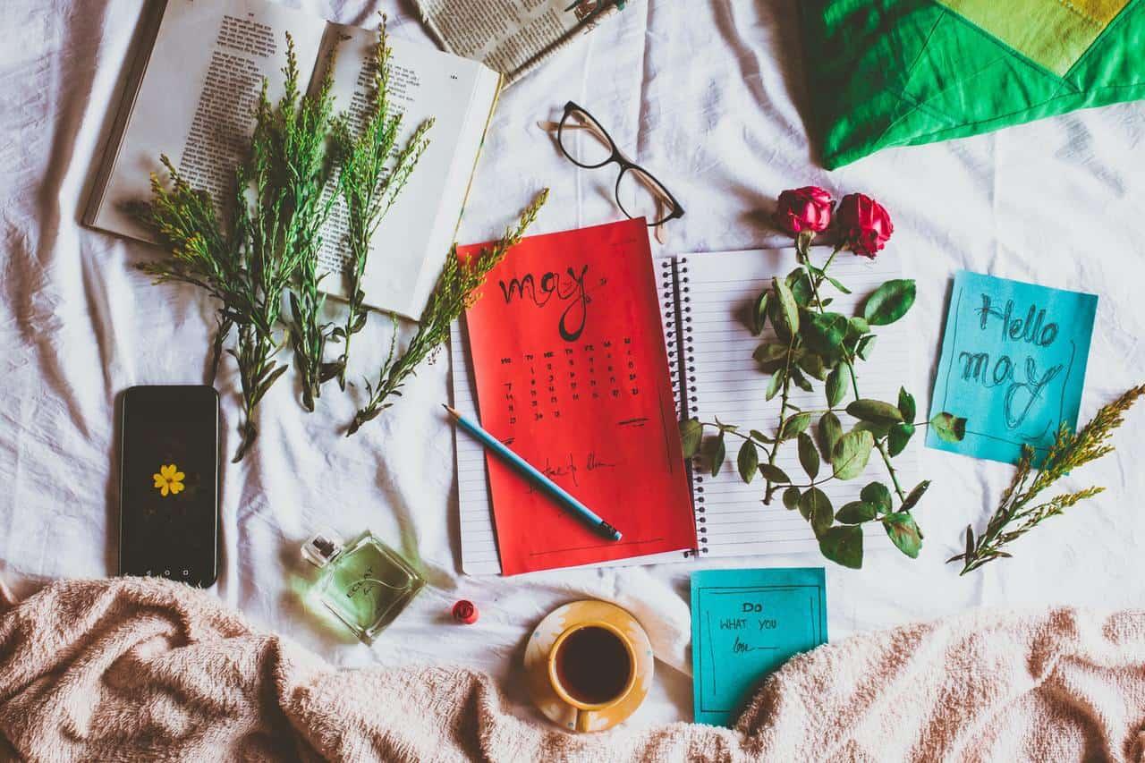 calendar, flowers, coffee